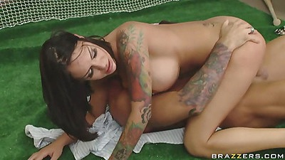 Chick is fucking on the golf practice mat