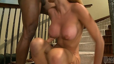 Big tits Jessie Rogers interracial blowjob on the stairs wit deep anal peneration