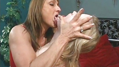 Making out mature Erika Kole and Jillian Foxxx in lingerie