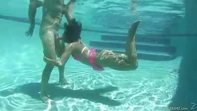 Underwater amateur blowjob with latina Miss Raquel