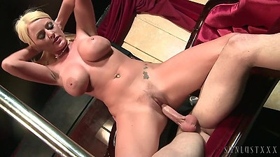 Reverse cowgirl sex with gorgeous stripper Sophie Dee