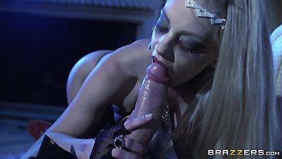 Blowjob with stunning lingerie fuck Loulou